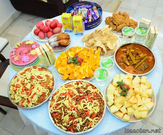 The simple food spread for all to enjoy that evening