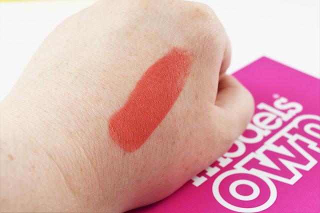 Rock'n'Rosy Blusher Stick in Peach Pop Swatch