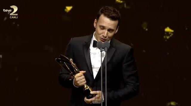 En iyi pop Müzik erkek ödülünü Edis aldı.