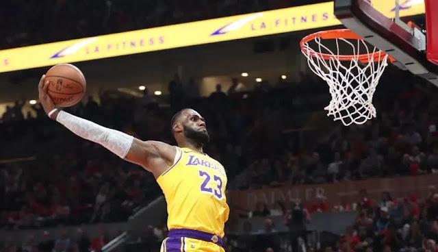 Pemain LeBron James Pimpin La Lakers Bungkam Cavaliers
