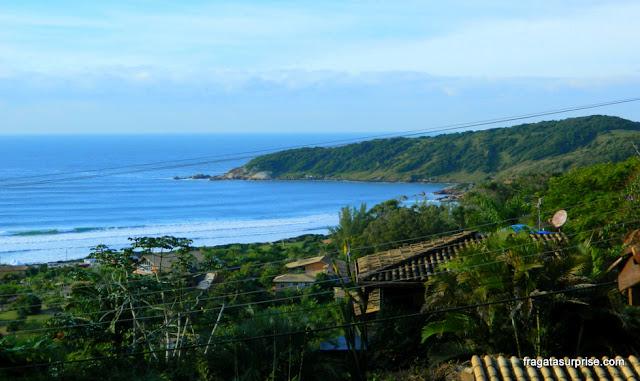 Ponta Sul da Praia do Rosa vista da varanda da Pousada Vigia das Marés