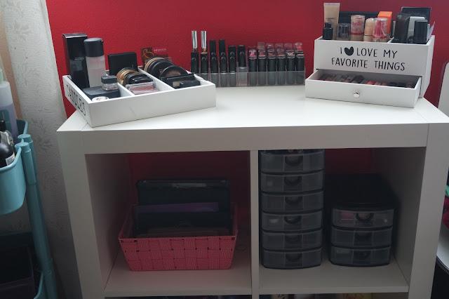 Inexpensive ways of organizing makeup, cheap ways