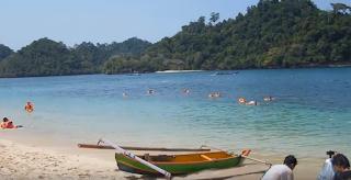 Snorkling di Pantai 3 Warna, Wisata Pantai di Malang, Paket Wisata Malang Bromo