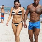 Kelly Brook Luciendo Cuerpazo En Las Playas De Miami. Foto 9