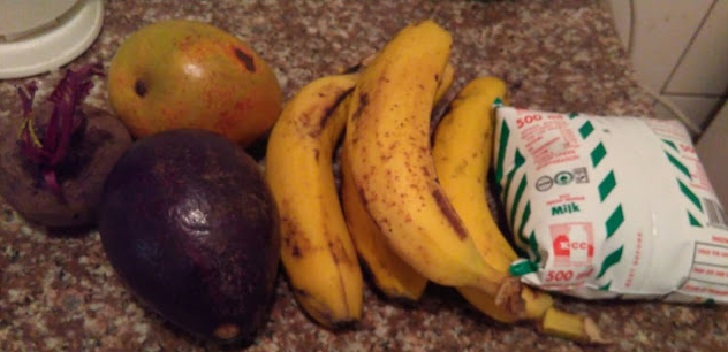 Fruits for preparing a smoothie
