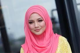 Neelofa Menang Anugerah Bintang Paling Popular ABPBH 29