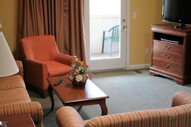 A cozy & spacious 2 bedroom condo at Massanutten Resort in Virginia. #BlueRidgeBucket #Trekarooing