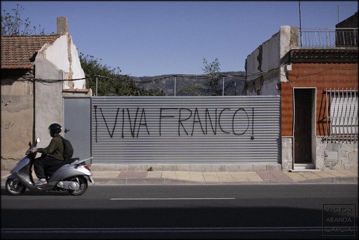 fotografia,arriba_extraña,murcia,franco,a-tope,cartel,viva,pp