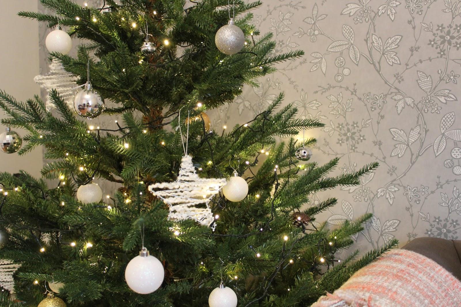 Christmas Tree World Ultra Mountain Pine Tree