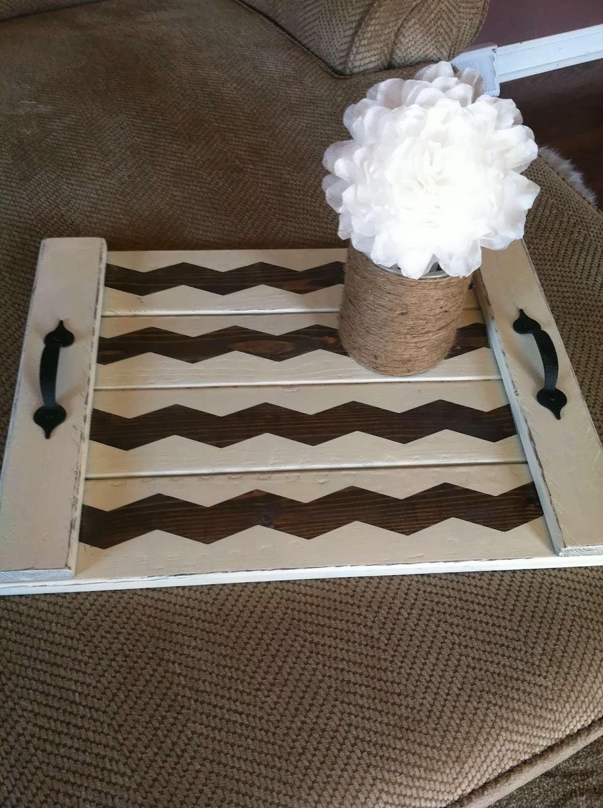 burlap and bananas shabby chic chevron diy wood tray. Black Bedroom Furniture Sets. Home Design Ideas