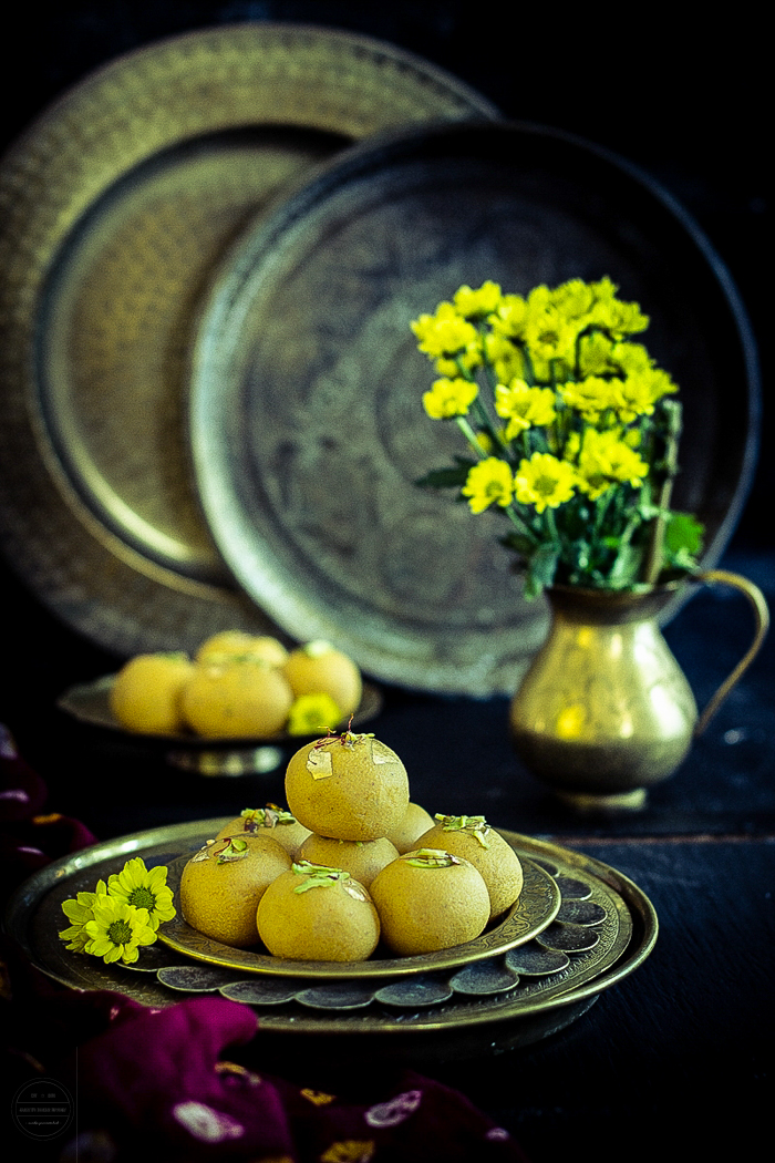 Magas Ladoo is an Gujarati mithai, it is a rich and delicious made with roasted gram flour, sugar and ghee. It is a perfect sweet to try on Diwali.