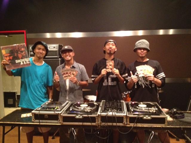 DJ-Y∀SUとデリシャスサンドウィッチの写真です。