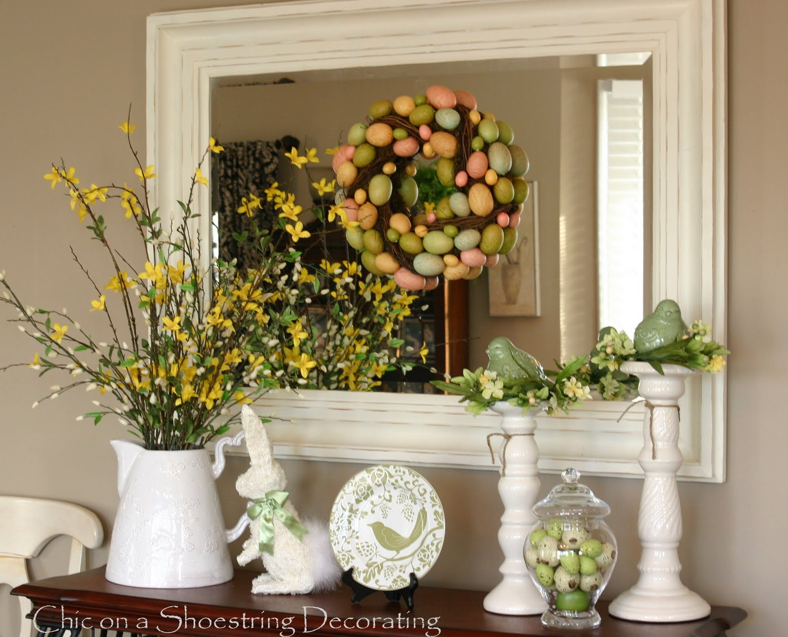 Easter Decorating Table Ideas Photograph | The coffee table