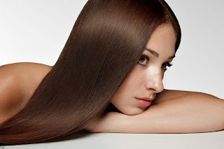 طرق تطويل الشعر وتنعيمه بالوصفات الطبيعيه