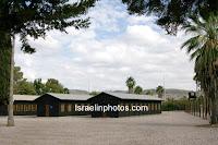 ישראל בתמונות - מחנה המעצר בעתלית - מחנה המעפילים בעתלית