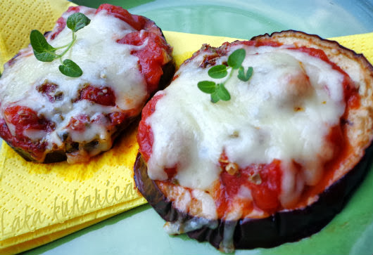 Eggplant pizzette by Laka kuharica: delicious, nutritious, healthy and easy bites.