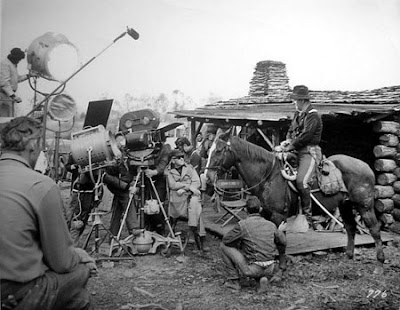 Fotografías de la edad de oro de Hollywood detrás de las cámaras