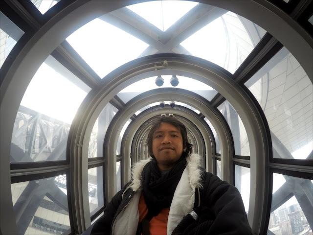 Selfie di Eskalator Umeda Sky Building