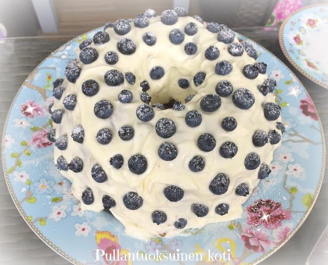 #mustikkaleivonnainen #hummingbirdbakery #baking #blueberries #cake #kahvikakku
