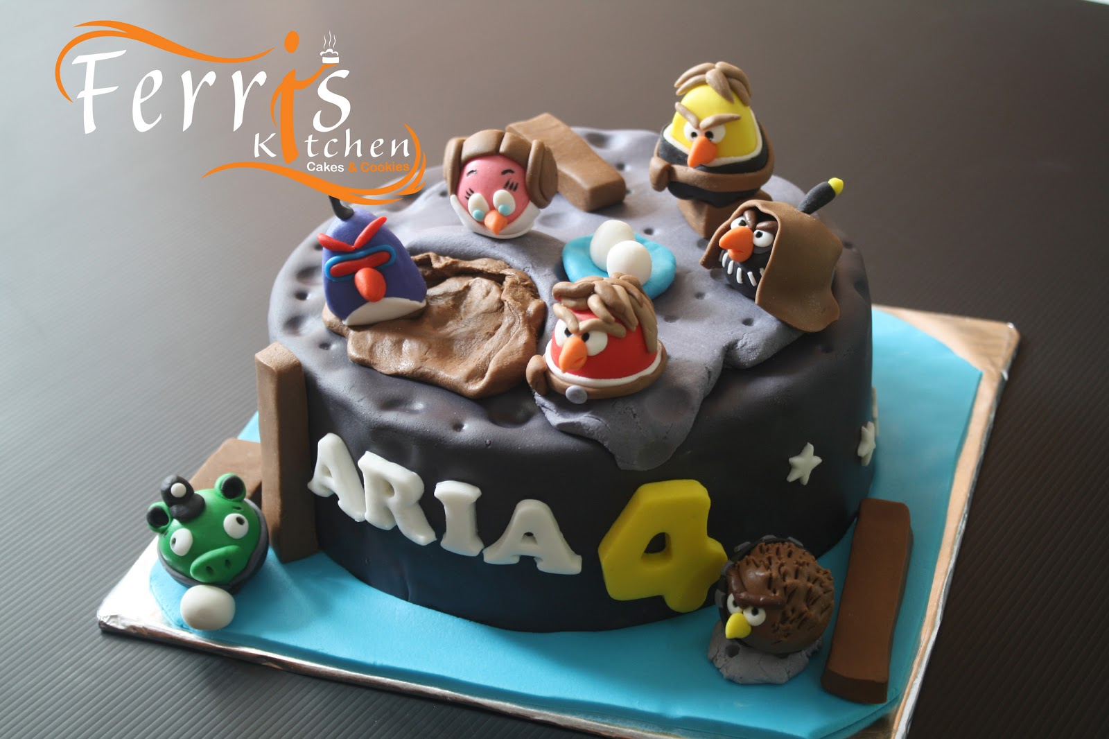 Angry Birds Space And Starwars Cake