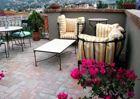 Berikut 11 Sample Design Ruang Tamu Outdoor Elegan