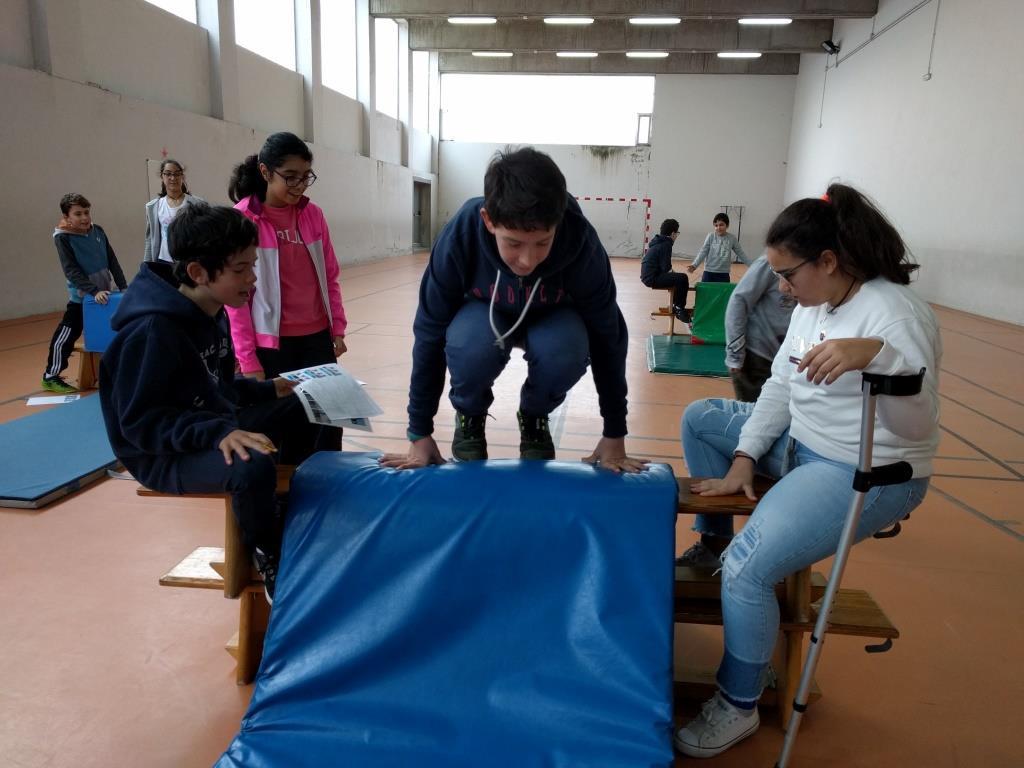 Cosas de Educación Física: PARKOUR COOPERATIVO EN 4º y 6º