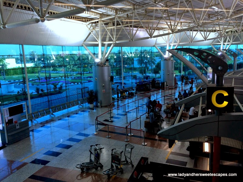 Sharjah International Airport check-in gate