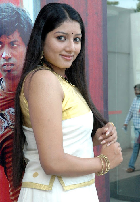 anu gets her cute stills