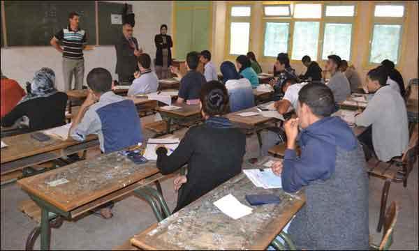 هذه هي العقوبة الحبسية  لتلميذين اعتديا على أستاذ في الامتحانات الأخيرة