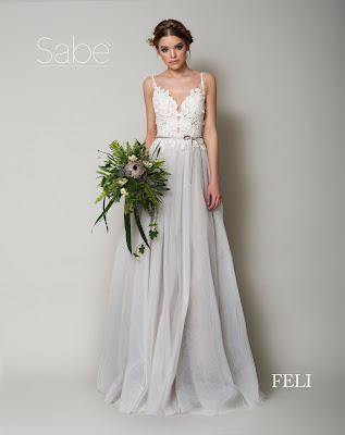 Sunia ślubna z popielatym dołem i koronkową białą górą. Suknie SABE.