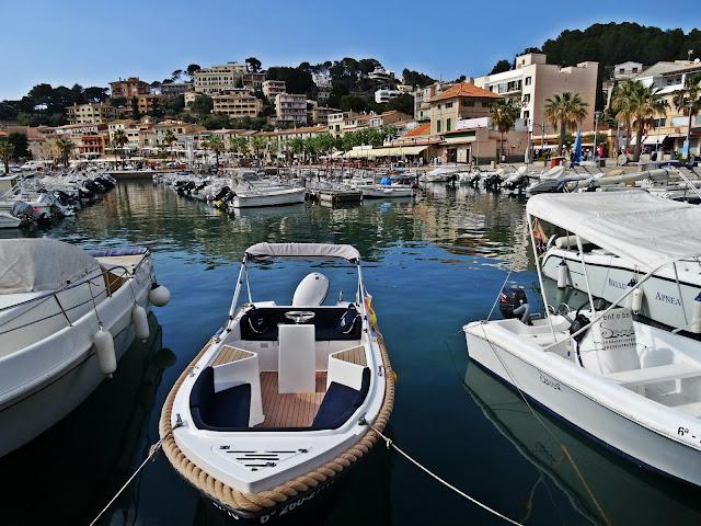 przystań jachtowa na Majorce