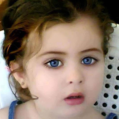 cute-little-baby-girl-with-blue-eyes-masalla