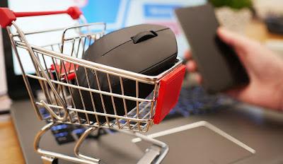 chollos-ofertas-en-dos-portatiles-un-tv-un-monitor-top-3-red-night-media-markt