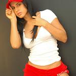 Andrea Rincon, Selena Spice Galeria 16: Linda Gorra Roja, Camiseta Blanca, Mini Tanga Roja Tipo Hilo Dental Foto 28