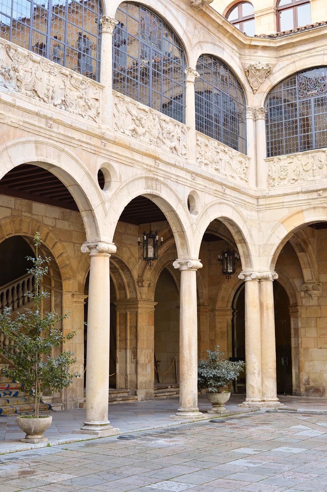 palacio de los guzmanes leon españa
