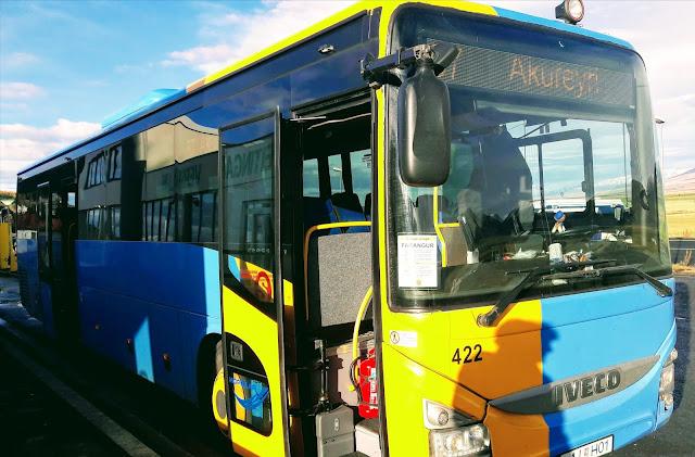Travel by bus from Reykjavik to Akureyri