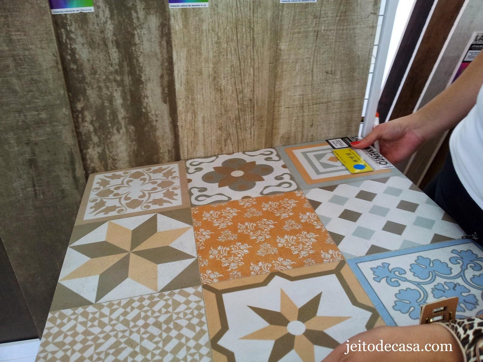 Porcelanatos com estampa de ladrilhos: Portobello Portinari Eliane e  #9A6431 1600x1200 Banheiro Com Porcelanato Rustico