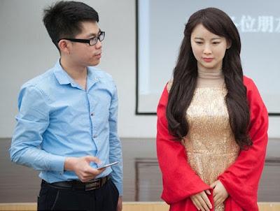 Robot humanoid buatan Tiongkok