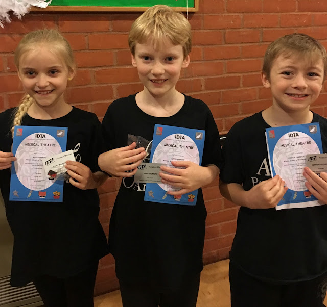 Children from Afonso School of Performing Arts with IDTA Musical Theatre certificates