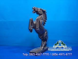 Patung Kuda Marmer Hitam