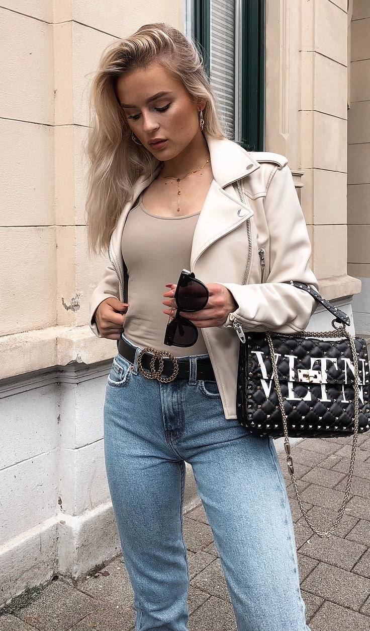 stylish look | nude jeather jacket + black bag + top + jeans