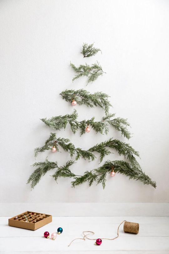 Árboles de Navidad low cost con ramas verdes