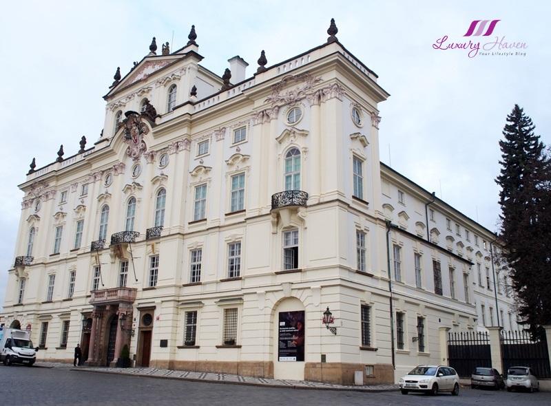 praha sternberg palace art exhibition