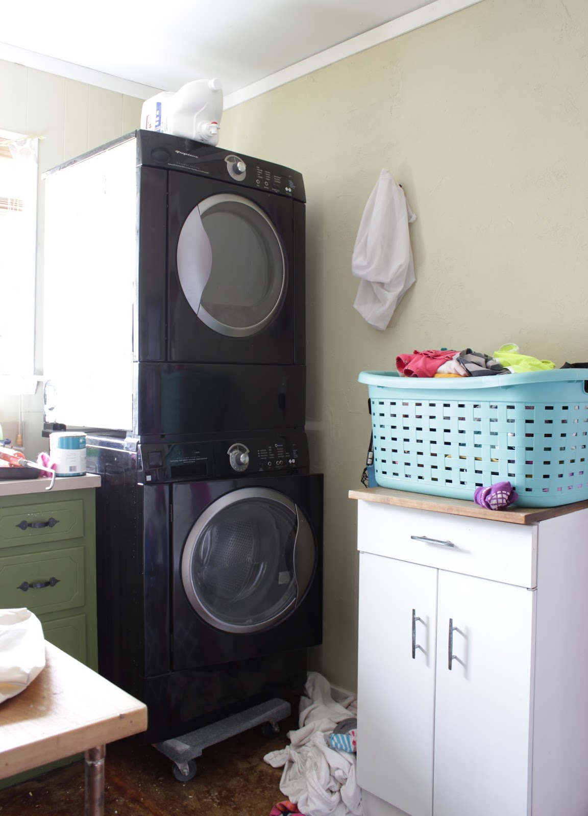Laundry room refresh: before