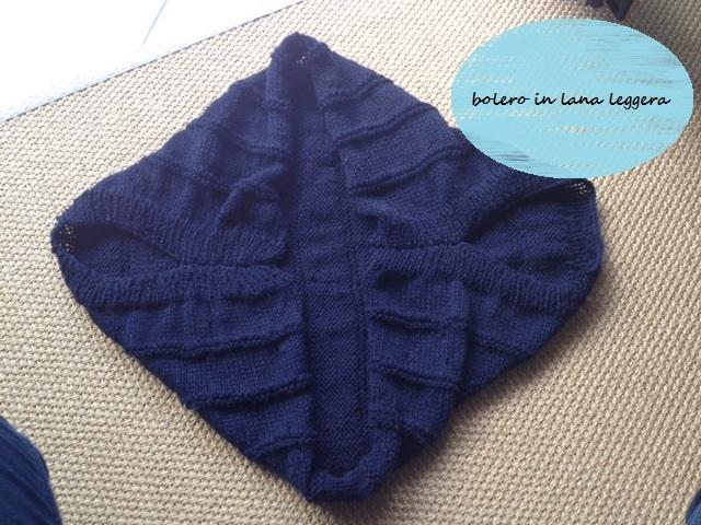 bolero tricoté en laine legère bleu