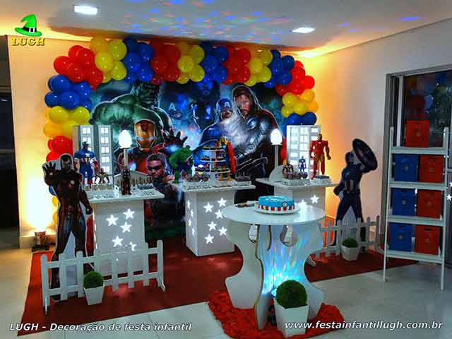 Decoração tema Os Vingadores - Festa de aniversário infantil - Provençal simples