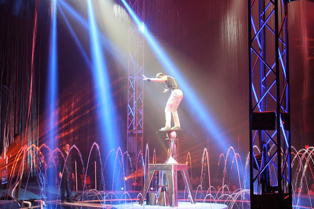 Cirque Italia Balancing Act