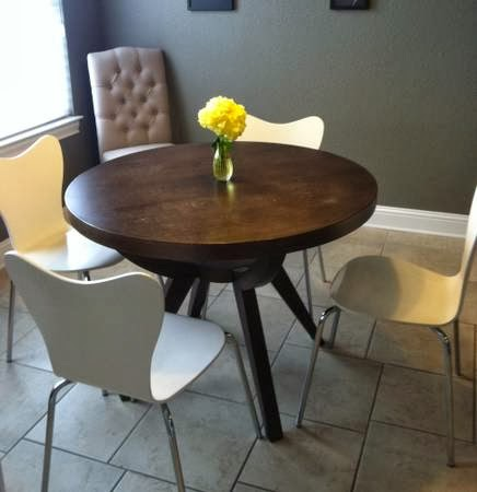 Craigslist Dining Table And Chairs