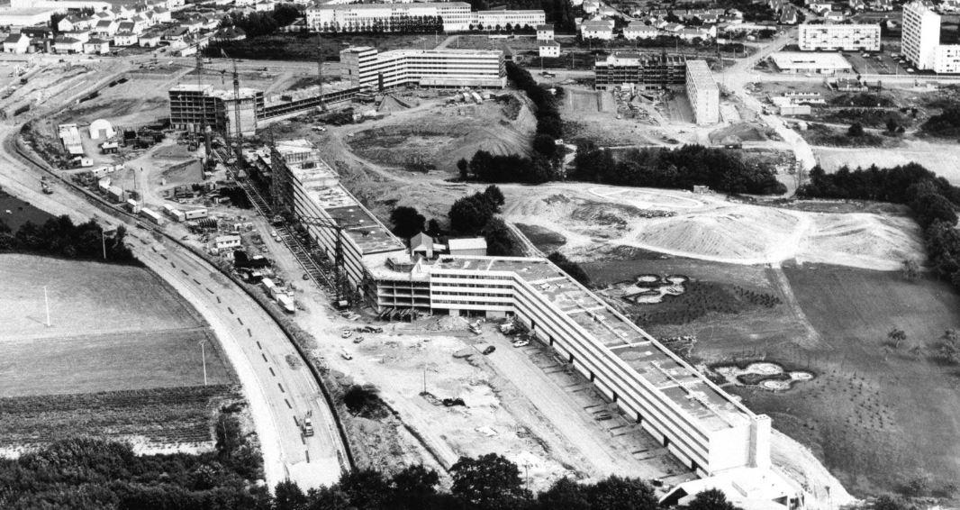 Nantes la ville d 39 apr s guerre st herblain le sillon de for Construction piscine nantes