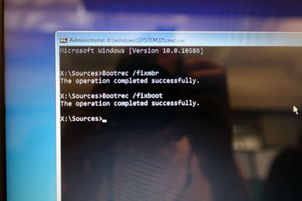 Sửa lỗi 'Boot Configuration Data file is missing' trong Windows 10